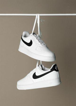 Nike Air Force 1 '07, 38.5 EU, Herren, weiß schwarz